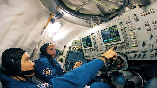 E8. The Astronauts
